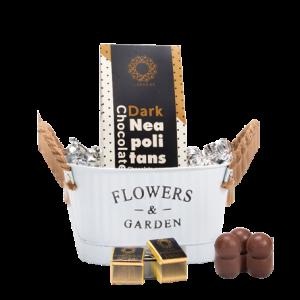מארז מתנה קטן לראש השנה הכולל קופסת פח ו2 סוגי שוקולד מובחר